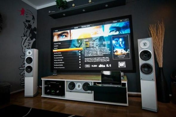 Home Technology: A Huge Home Interior Design Entertainment Setup ...