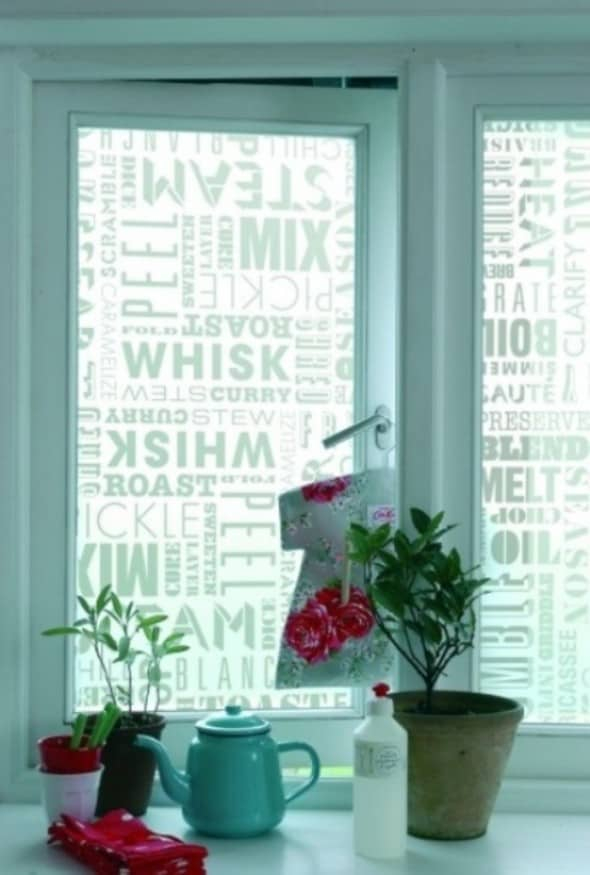 DIY kitchen windows with motivation sentences