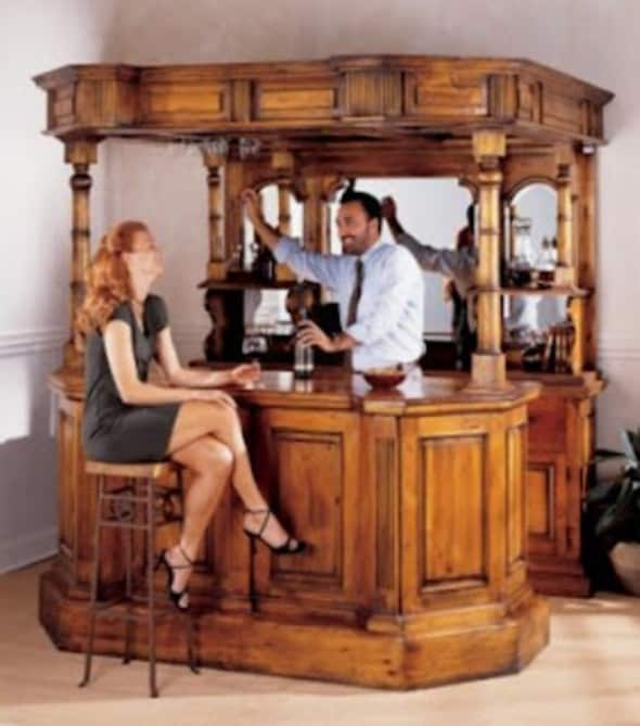 Tips for your items every home bar needs architecture for Mini bar decorating ideas