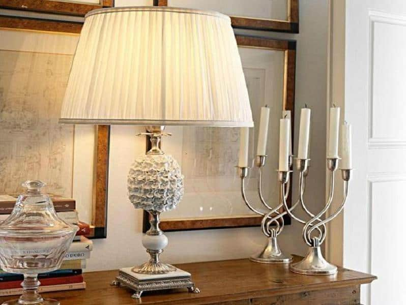 Handsome Table Lamp with Candles